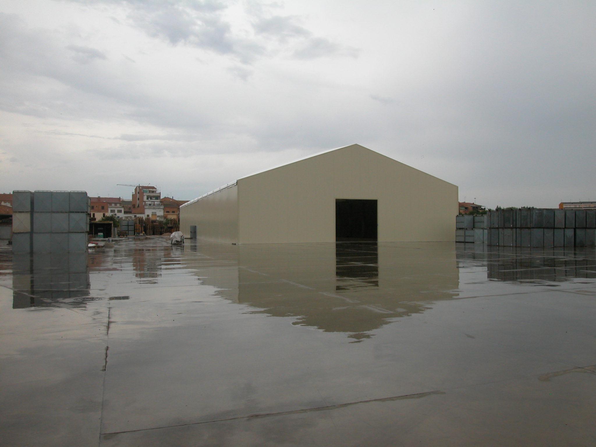 Nave 25x60x5m con panel y techo termico