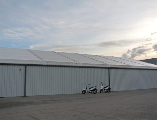 Cooltra Motors, the world leader in electric motorcycles rental, relies on Vall to increase its  logistical capacity with the installation of an industrial rental tent.