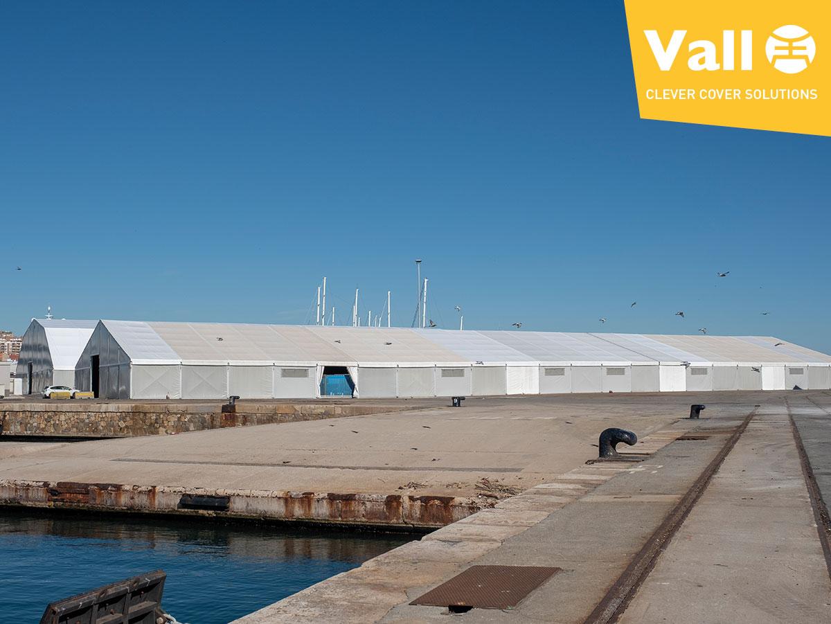 centro logistico en una terminal portuaria